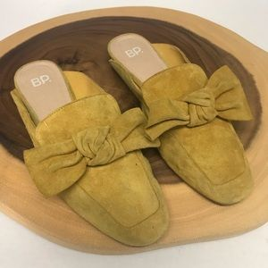 Nordstrom B.P. mustard suede bow Mules